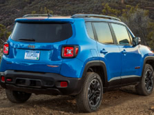 2015-Jeep-Renegade-Rear-Quarter-20-1500x1000.jpg