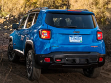 2015-Jeep-Renegade-Rear-Quarter-21-1500x1000.jpg