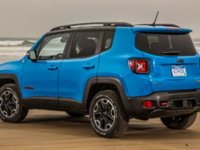 2015-Jeep-Renegade-Rear-Quarter-22-1500x1000.jpg