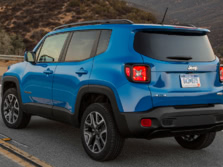 2015-Jeep-Renegade-Rear-Quarter-35-1500x1000.jpg