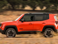 2015-Jeep-Renegade-Side-11-1500x1000.jpg