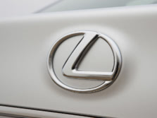 2015-Lexus-GS-Badge-3-1500x1000.jpg