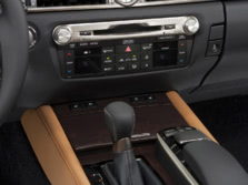 2015-Lexus-GS-Center-Console-3-1500x1000.jpg