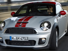 2015-MINI-John-Cooper-Works-Coupe-Front-Quarter-16-1500x1000.jpg