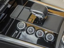2015-Mercedes-Benz-E-Class-AMG-Center-Console-1500x1000.jpg