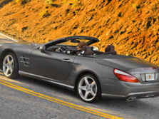 2015-Mercedes-Benz-SL-Class-Rear-Quarter-4-1500x1000.jpg