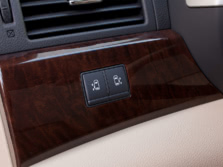 2015-Nissan-Quest-Interior-Detail-3-1500x1000.jpg