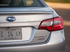2015-Subaru-Legacy-Badge-3-1500x1000.jpg