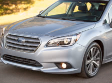 2015-Subaru-Legacy-Badge-5-1500x1000.jpg