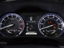 2015-Toyota-Highlander-Instrument-Panel-3-1500x1000.jpg