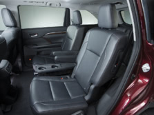 2015-Toyota-Highlander-Rear-Interior-1500x1000.jpg