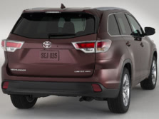2015-Toyota-Highlander-Rear-Quarter-1500x1000.jpg