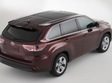 2015-Toyota-Highlander-Rear-Quarter-4-1500x1000.jpg