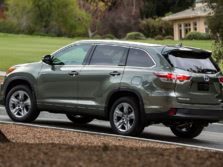 2015-Toyota-Highlander-Rear-Quarter-8-1500x1000.jpg