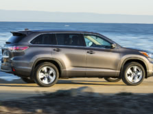 2015-Toyota-Highlander-Side-10-1500x1000.jpg