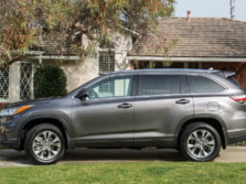 2015-Toyota-Highlander-Side-3-1500x1000.jpg