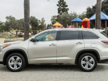 2015-Toyota-Highlander-Side-4-1500x1000.jpg
