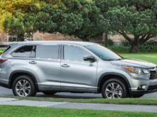2015-Toyota-Highlander-Side-5-1500x1000.jpg