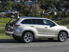 2015-Toyota-Highlander-Side-7-1500x1000.jpg
