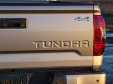 2015-Toyota-Tundra-Badge-5-1500x1000.jpg
