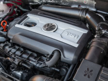 2015-Volkswagen-Beetle-Engine-2-1500x1000.jpg