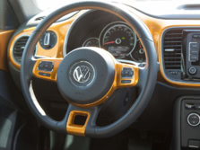 2015-Volkswagen-Beetle-Steering-Wheel-2-1500x1000.jpg