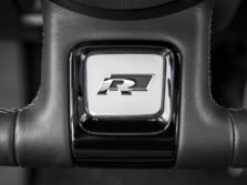 2015-Volkswagen-Beetle-Steering-Wheel-Detail-2-1500x1000.jpg