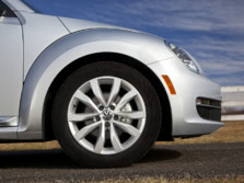 2015-Volkswagen-Beetle-Wheels-1500x1000.jpg