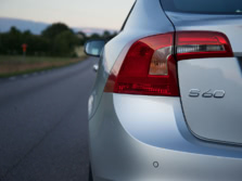 2015-Volvo-S60-Badge-1500x1000.jpg
