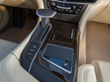 2016-Cadillac-CT6-Center-Console-1500x1000.jpg
