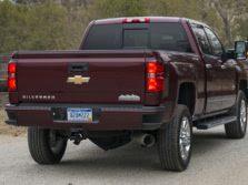 2016-Chevrolet-Silverado-2500-Rear-Quarter-4-1500x1000.jpg