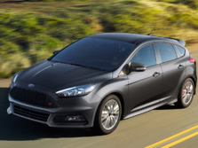 2016-Ford-Focus-Front-Quarter-4-1500x1000.jpg