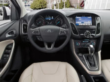 2016-Ford-Focus-Steering-Wheel-2-1500x1000.jpg