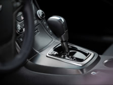 2016-Hyundai-Genesis-Coupe-Center-Console-1500x1000.jpg