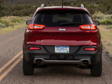 2016-Jeep-Cherokee-Rear-1500x1000.jpg