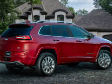 2016-Jeep-Cherokee-Rear-Quarter-1500x1000.jpg
