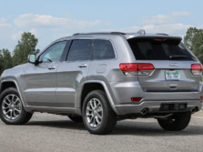 2016-Jeep-Grand-Cherokee-Rear-Quarter-1500x1000.jpg