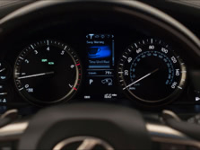 2016-Lexus-LX-Instrument-Panel-1500x1000.jpg