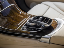 2016-Mercedes-Benz-GLC-Center-Console-1500x1000.jpg