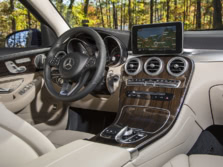 2016-Mercedes-Benz-GLC-Dash-1500x1000.jpg