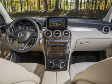 2016-Mercedes-Benz-GLC-Dash-2-1500x1000.jpg