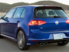 2016-Volkswagen-Golf-R-Rear-Quarter-3-1500x1000.jpg