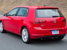 2016-Volkswagen-Golf-Rear-Quarter-2-1500x1000.jpg