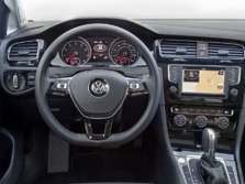 2016-Volkswagen-Golf-Steering-Wheel-1500x1000.jpg