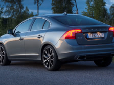 2016-Volvo-S60-Rear-Quarter-1500x1000.jpg