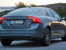 2016-Volvo-S60-Rear-Quarter-2-1500x1000.jpg
