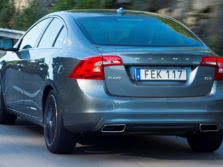 2016-Volvo-S60-Rear-Quarter-3-1500x1000.jpg