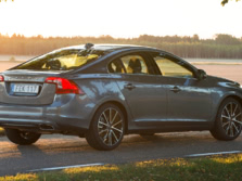 2016-Volvo-S60-Rear-Quarter-4-1500x1000.jpg