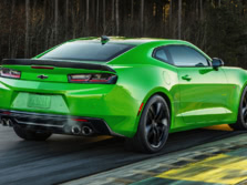 2017-Chevrolet-Camaro-Rear-Quarter-3-1500x1000.jpg