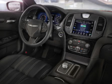 2017-Chrysler-300-Dash-1500x1000.jpg